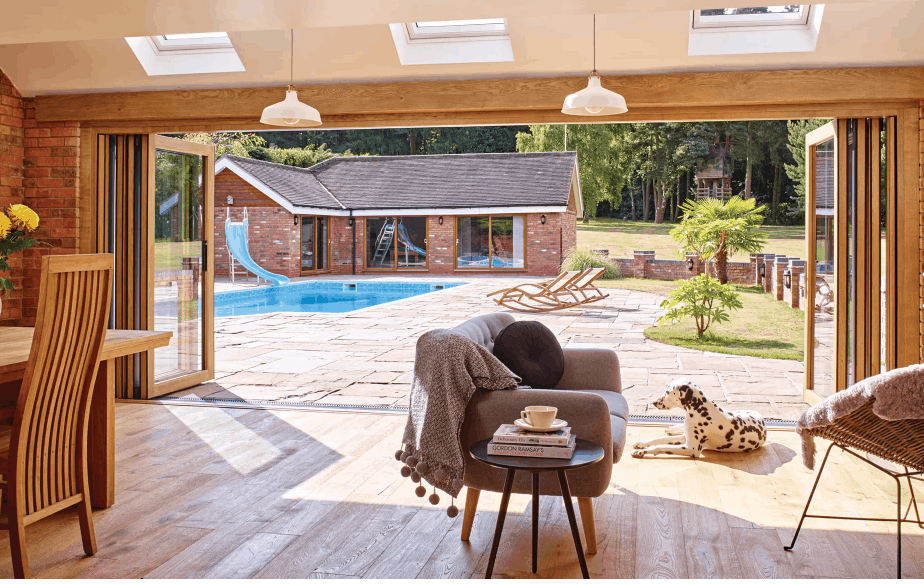 cento bi folding door with dog and pool